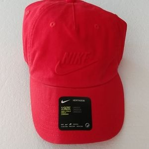 NWT Red Nike Heritage 86 Unisex Cap/Hat
